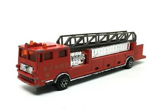 Majorette-Pompier-Grande-Echelle-Tokyo-Japan-Fire-Truck-Red-1-86-Ref-319