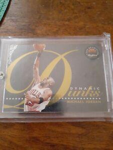 MICHAEL-JORDAN-1993-94-SKYBOX-DYNAMIC-DUNKS-D4-SHARP-CARD