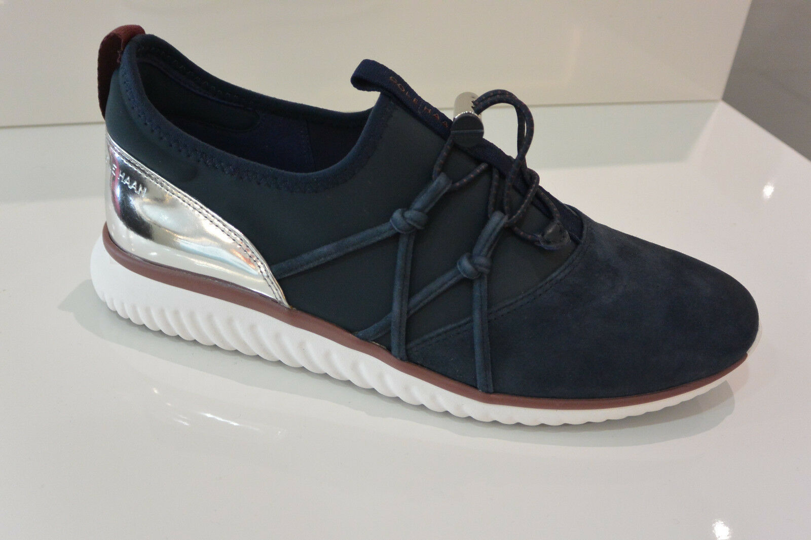 NIB Women's Cole Haan Studiogrand Leather Suede Fashion Sneakers in Navy W12368