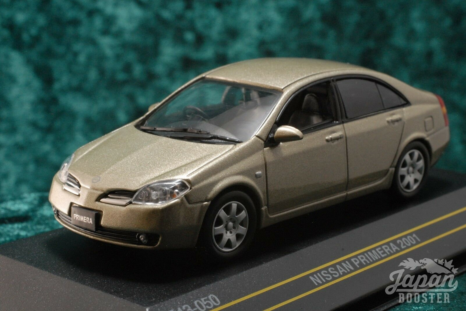 [First43 1  43] Nissan Primera 2001 guld F43 -050