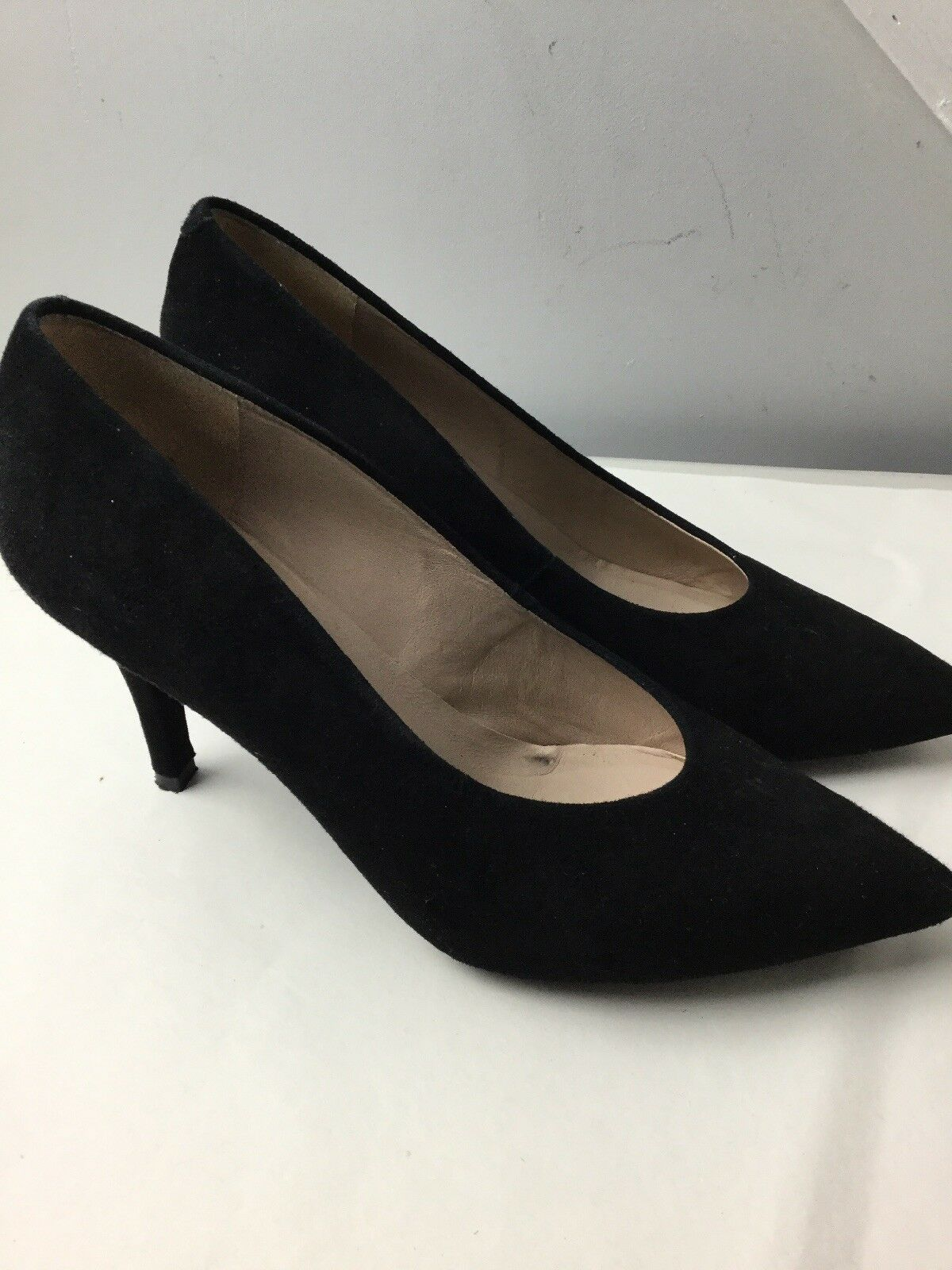 Unisa Black Suede Court shoes. Size 6UK. Ex Condition