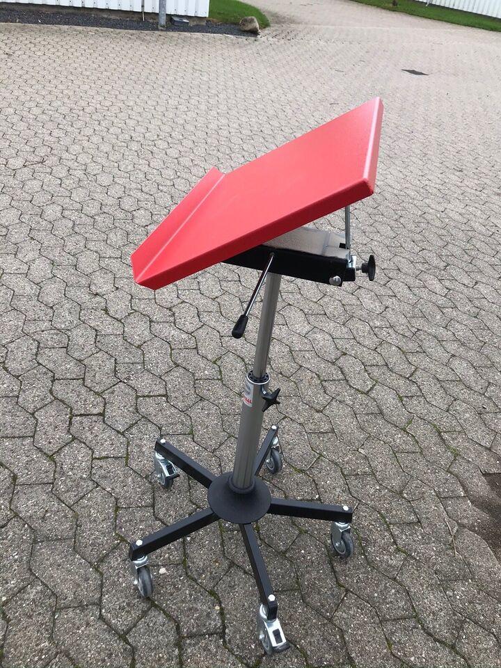 Mini Arbejdsbord, Global