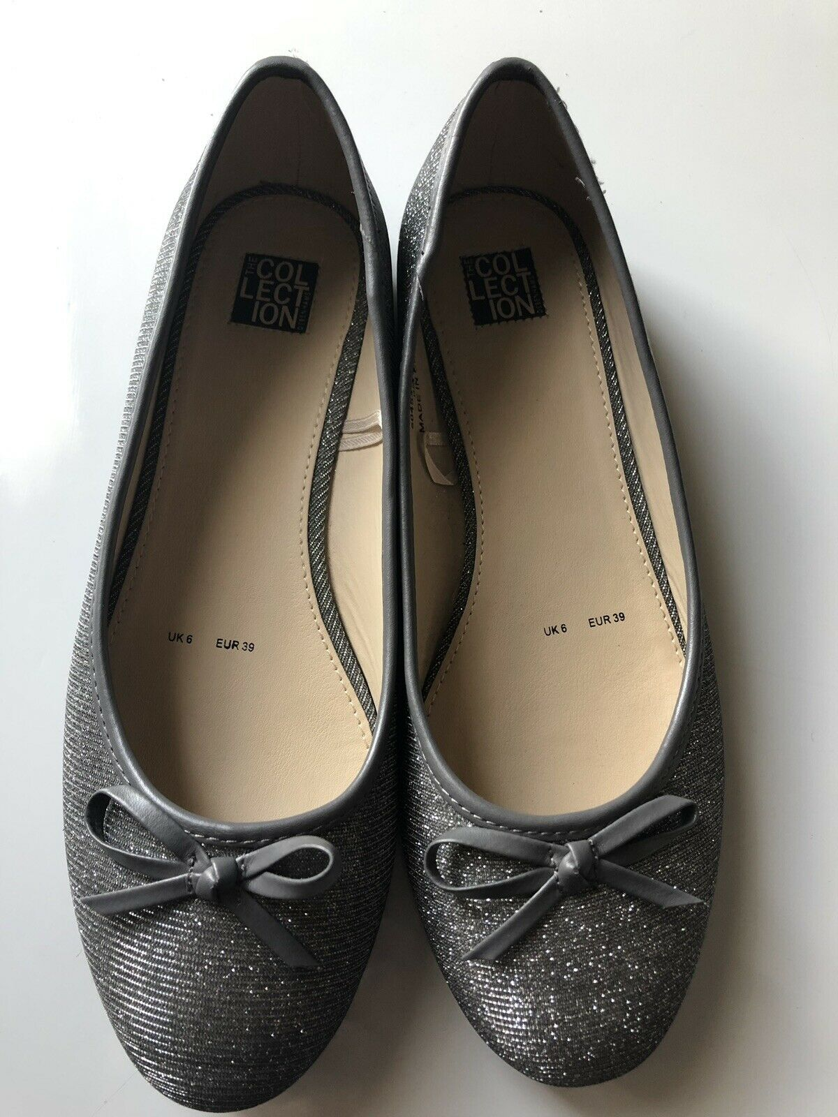 Kenneth Cole Silver Glitter Ballets UK6 Worn Once (inside house mainly)