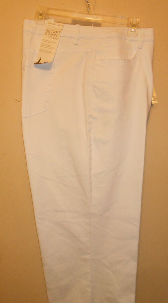Jones New York Jeans Plus Size Secret Slimming Feature Straight Jeans White 24W