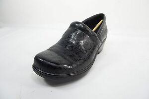 Yuu Bethanee Slip-On Shoes Black Tooled