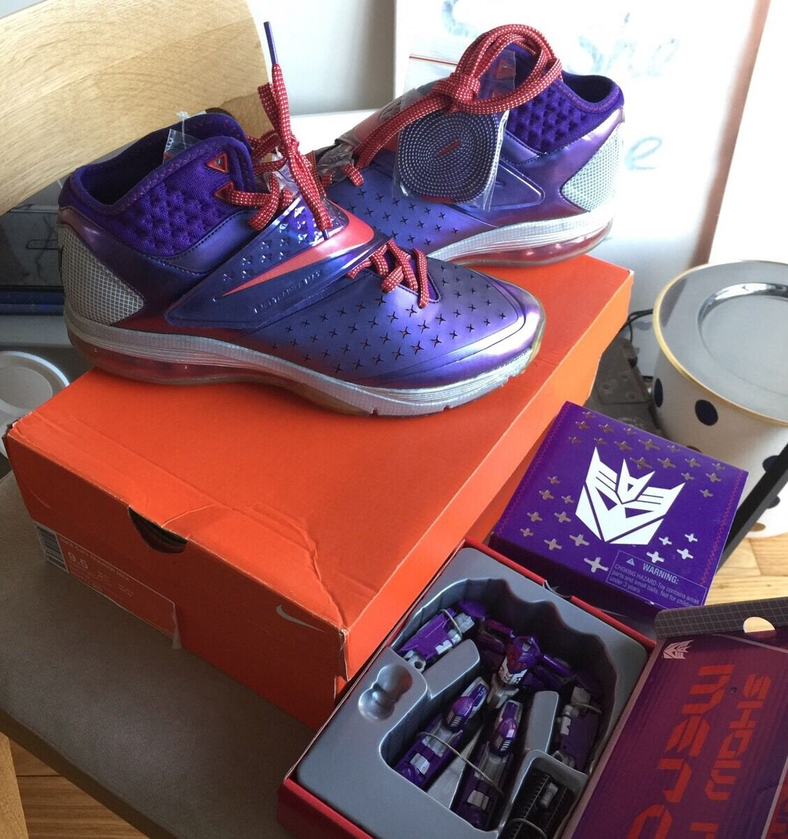 Megatron Nike CJ81 Trainer Max 9.5 9.5 9.5 w. Toy Transformers Air 90 95  Violet 3105af8be