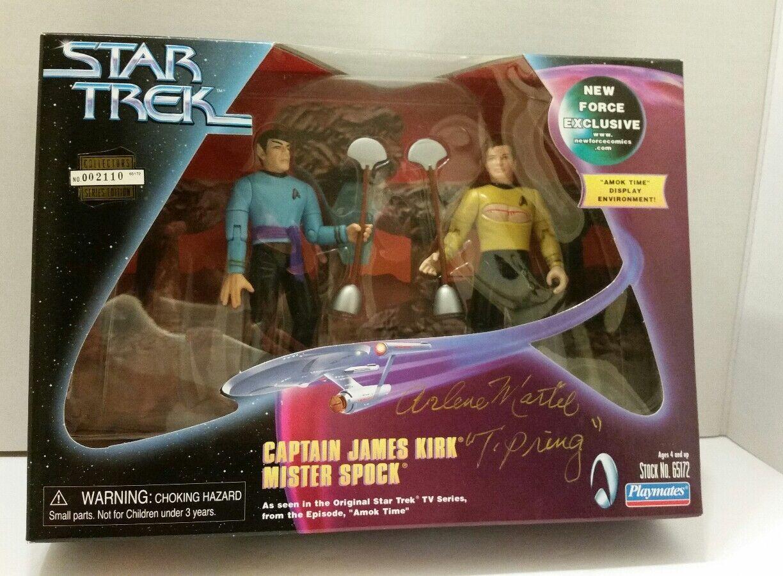 Playmates 1999 Stern TREK Captain james kirk Mister Spock signed Arlene Martel