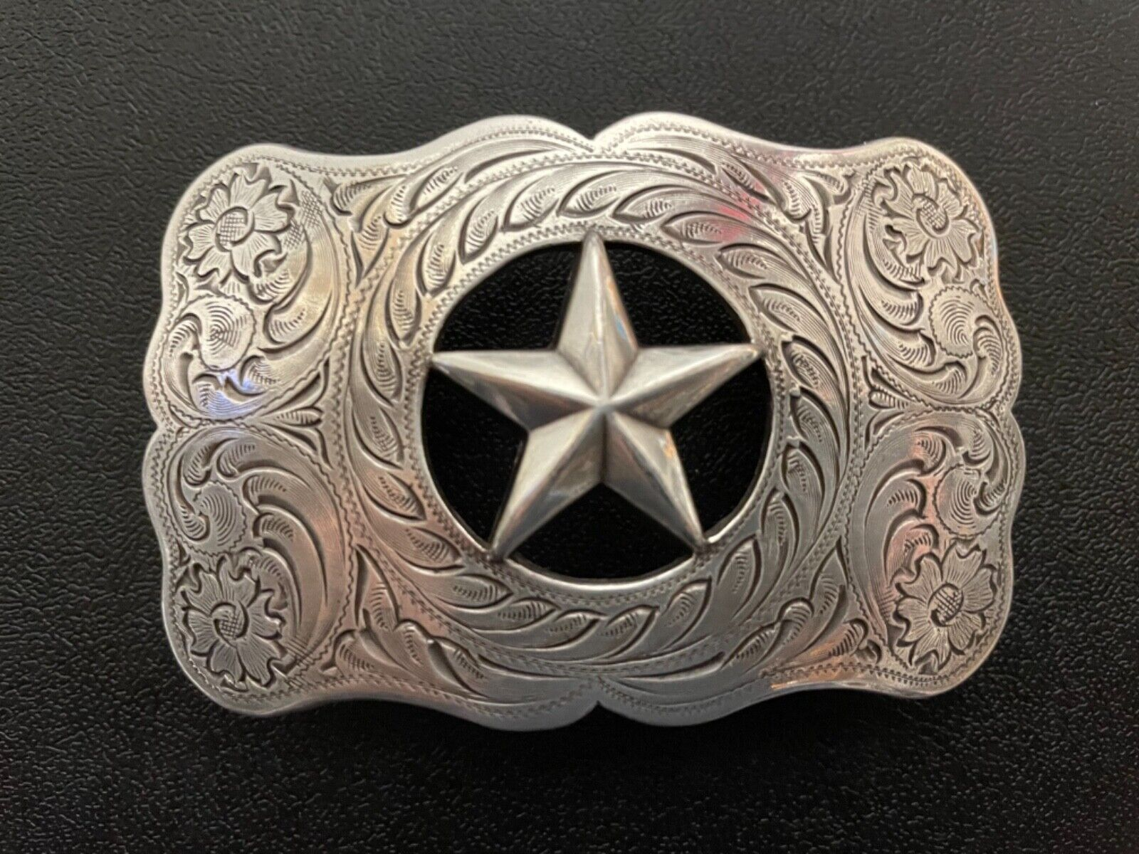 Unisex,Western,Cowboy,Floral engraved,Rodeo,Lone Star belt buckle.silver plaited