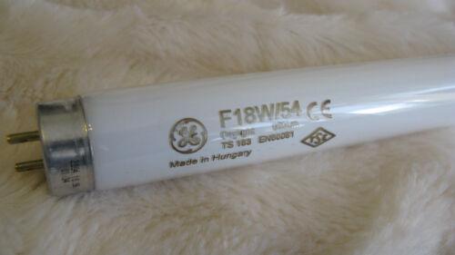 environ 0.61 m Job Lot environ 0.61 m 2 X 2 FT GE 18 W Daylight 860 T8 Blanc Tube Fluorescent Lampe 2 FT