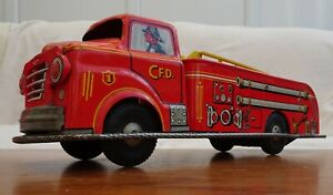 VINTAGE-1950S-MARX-TIN-LITHOGRAPH-V-F-D-FIRE-TRUCK-AERIAL-LADDER-TOY-14-034