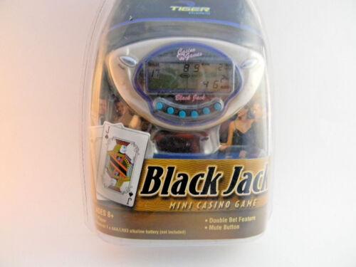 Black Jack Mini Casino Game Handheld Electronic Tiger Games Hasbro Vegas  59230