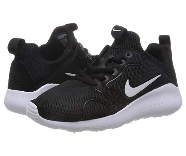 new product 164cc b7b71 Nike Women s Kaishi 2.0 Sneakers Black White Size 6