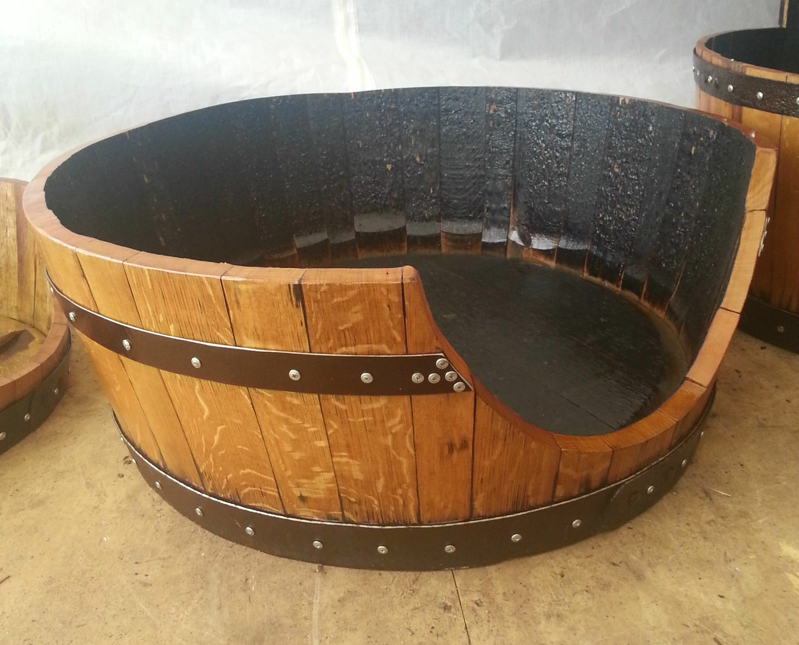 Quercia in legno massello riciclato Whisky Barrel Dog Bed   Gatto Letto Con Cuscino ZANZIBAR