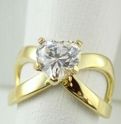 Women/'s  Stainless Steel Heart cz Wedding Engagement promise Gold GP Ring