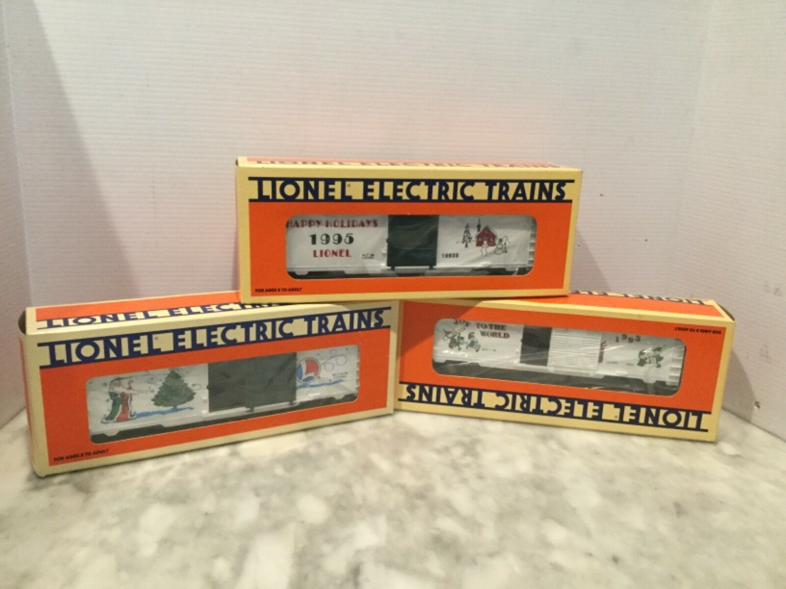LIONEL CHRISTMAS  BOX CAR SET 6-19922;19938 19945 -  NEW IN BOX