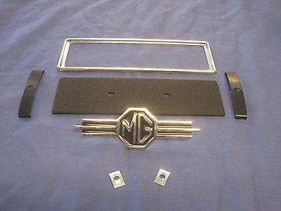 MGA MIDGET /'67/> RADIO APERTURE BEZEL AHH5255 MGB-GT MGC MGC-GT MGB
