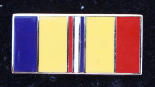FKS 1976//77 SOCCER STARS #039-ASTON VILLA-FRANK CARRODUS