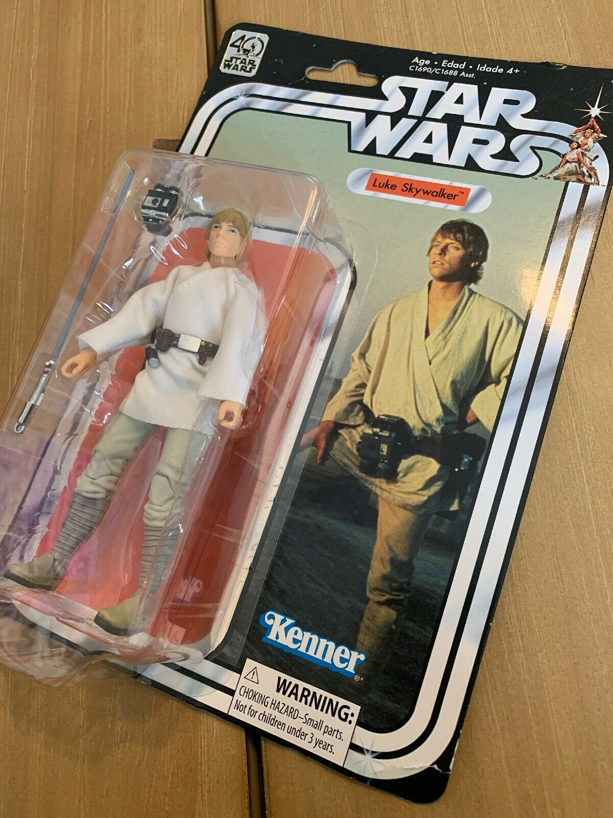 Star Wars LUKE SKYWALKER 40th Anniversary Legacy Kenner Figure. NIB SEALED.