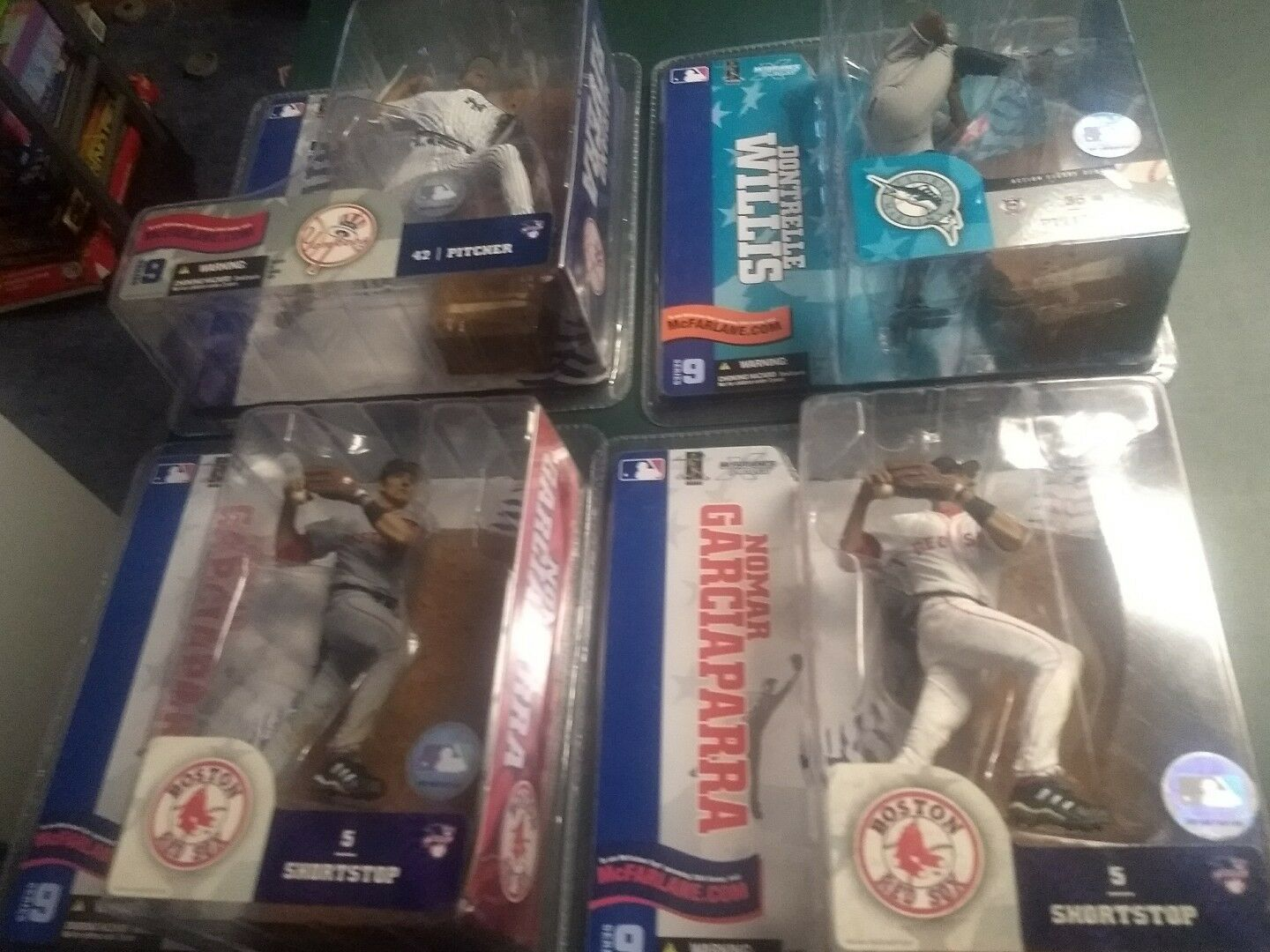McFarlane MLB Series 9 Lot of 4 Figures Nomar white&grey,Mariano white&Dontrelle