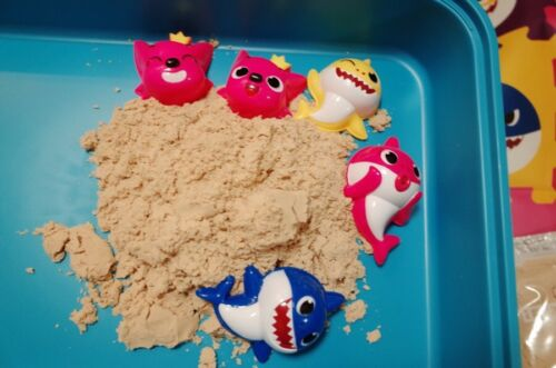 Pinkfong  Baby Shark Shaped Sand Toy Molds Set 5Pcs