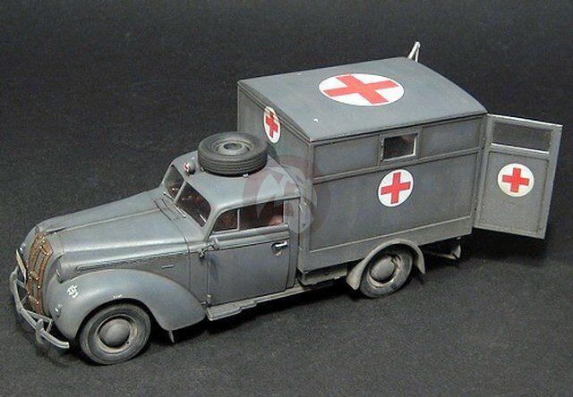 Lead Warrior 1 35 Opel Admiral Ambulance Luftwaffe type Conversion (ICM) LW35206