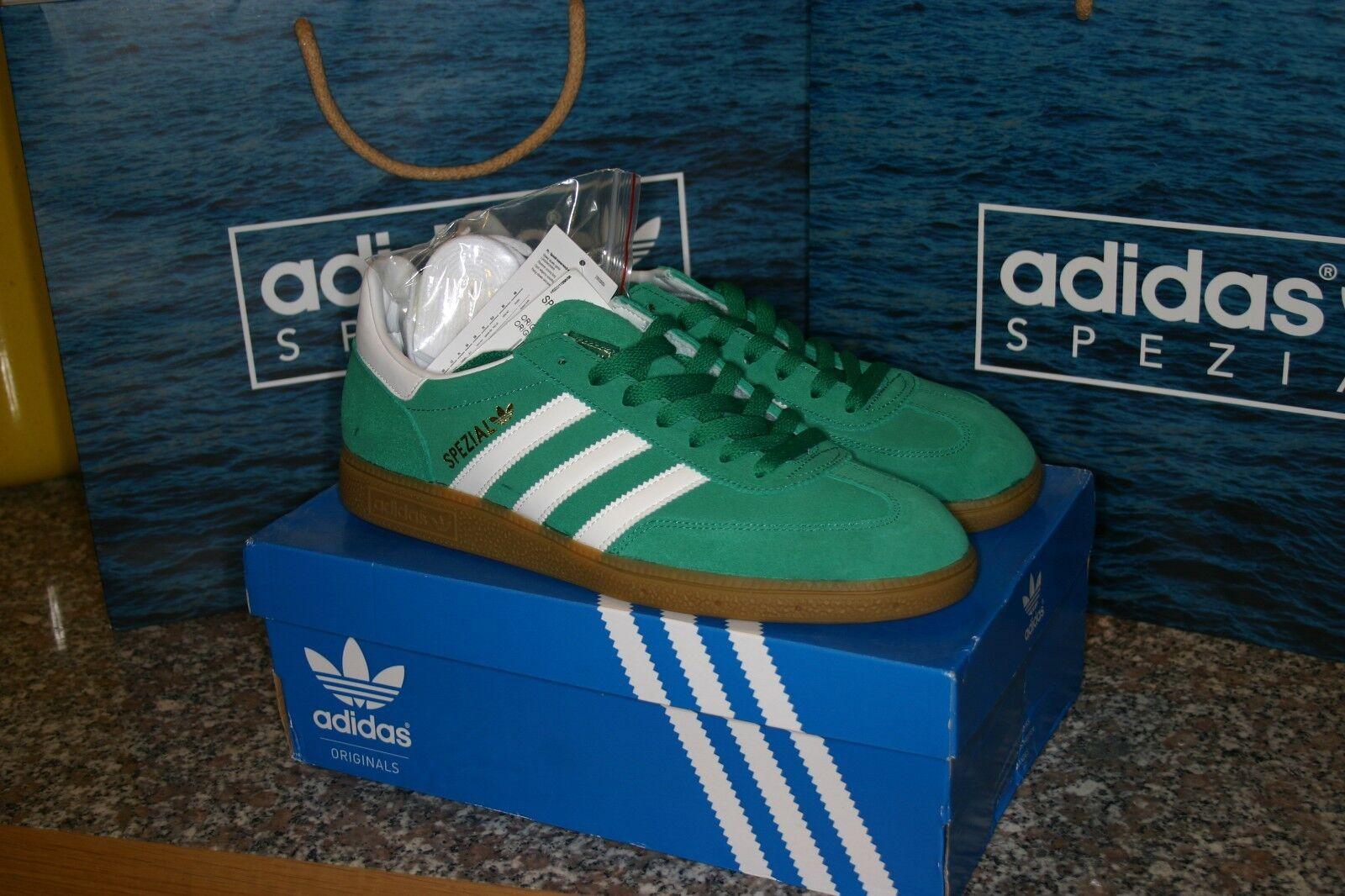 Nuevo Y En Caja Especial Adidas Spezial Entrenadores blancoo y verde oscuro con suela de goma tamaño de Reino Unido 9