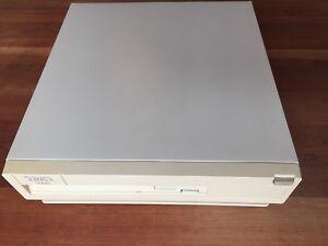 Commodore-AMIGA-3000-25-MHz-50-Go-HDD-SN-2786-1990-bon-etat