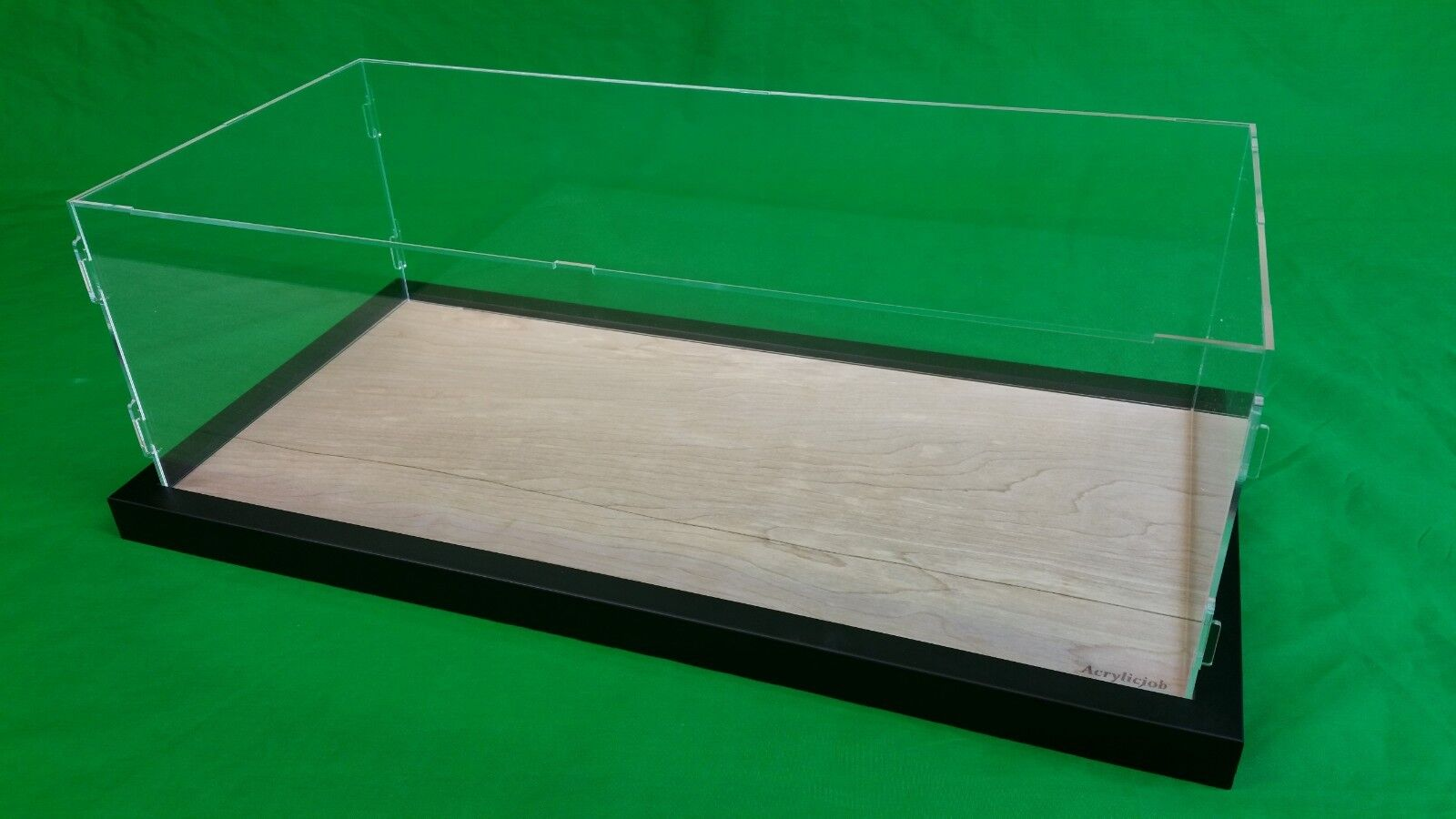 19 x 6 x 8 Table Top Display  Case Ocean Liner Cruise Ships LGB and G scale Train  articles de nouveauté