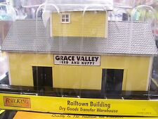 MTH O Gauge Dry Goods Transfer Warehouse - Grace Valley Feed and Supply Company