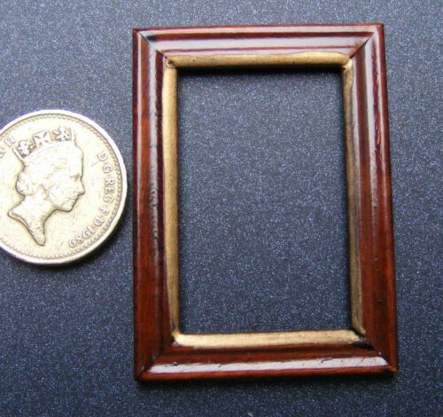 1:12 Scale Wood Picture Frame 3.7cm 5cm With No Acetate Tumdee Dolls House 956
