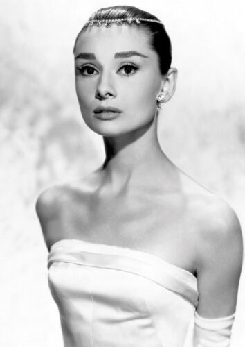 Audrey Hepburn 35 British Actress Model Dancer Humanitarian Portrait Poster B/&W