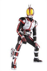 Medicom-RAH-Masked-Kamen-Rider-Faiz-1-6-Real-Action-Hero-Figure