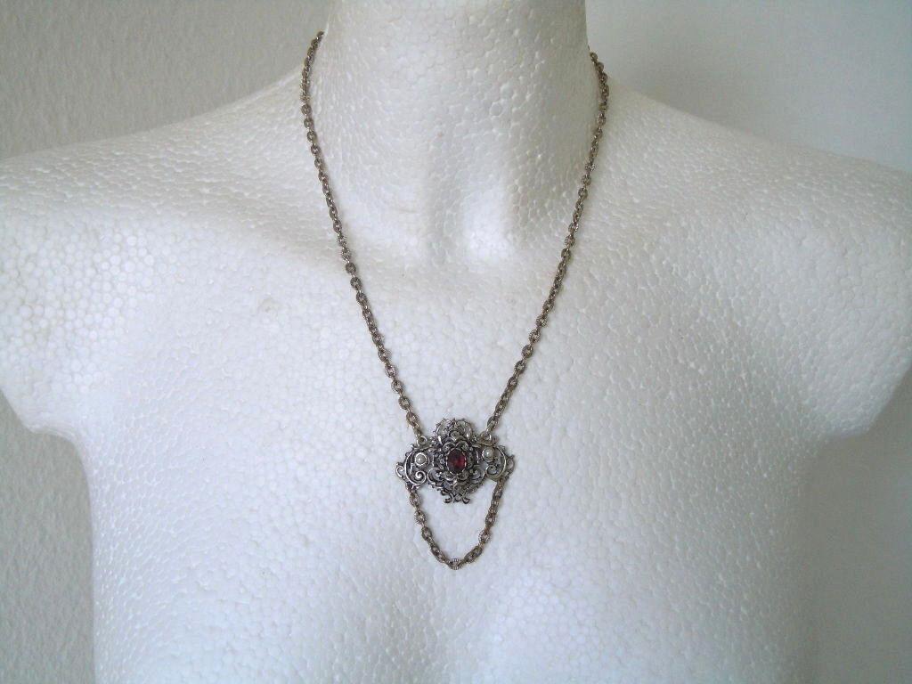 835 silver Kette mit einem Altschliff Granat + 2 Saatperlen 21,5 g   46,5 cm