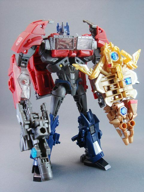 Transformers Prime Battle Shield Optimus Prime Toysrus exclusive Limited Edition