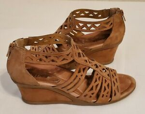 Earth Petal Suede Leather Wedge Sandals Womens 9 B Camel Tan Gladiator