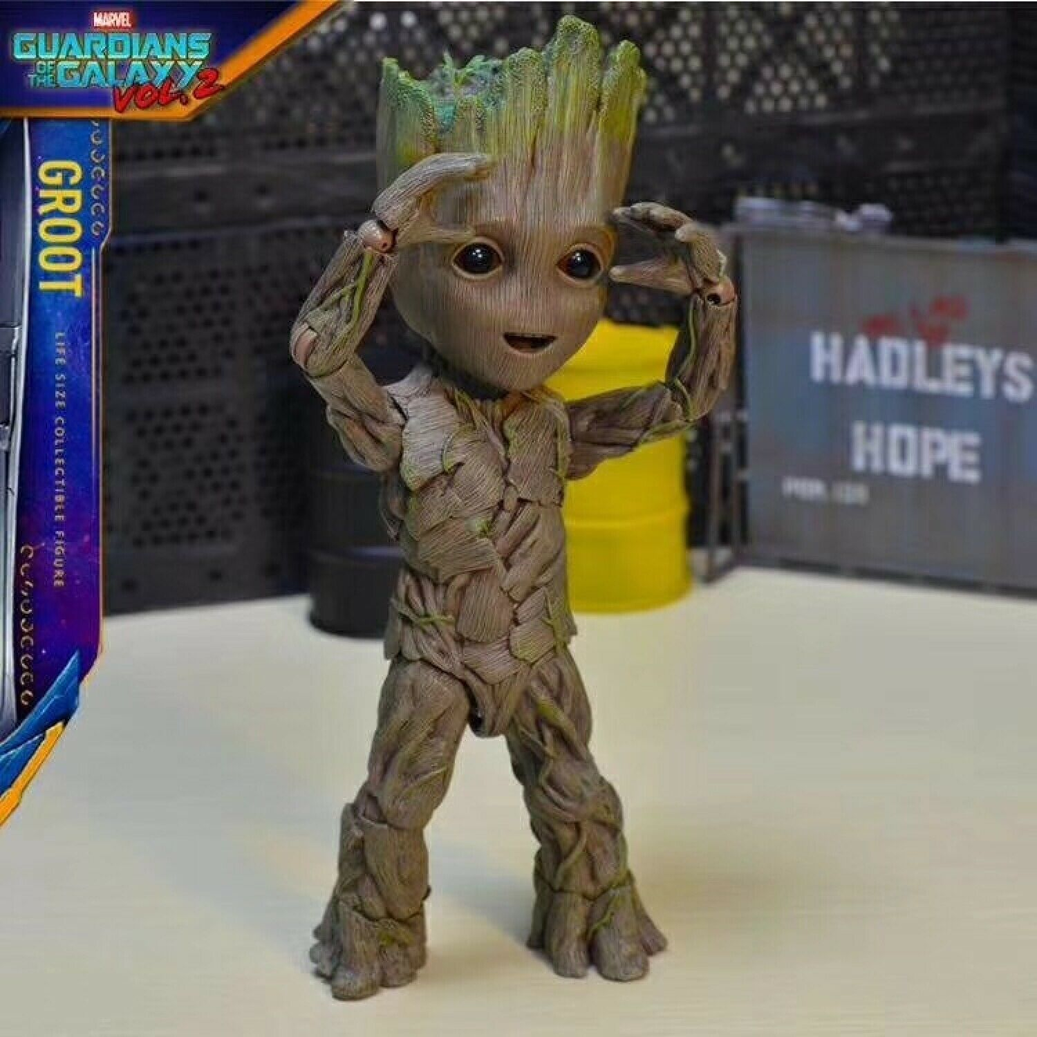 Hot Toys Marvel Groot Guardians Of The Galaxy Avengers  Cute Baby Tree Man