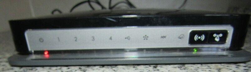 Netgear Wireless-N 300 Modem Router DGN2200