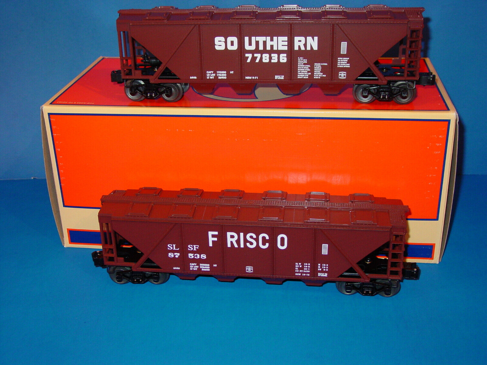 LIONEL - SET -  SOUTHERN  &  FRISCO  4-BAY COVERED HOPPER  CARS