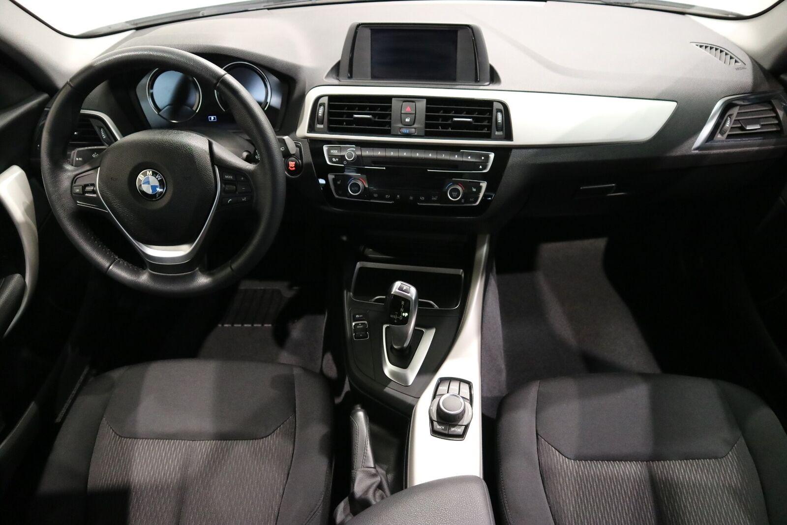 BMW 118i 1,5 Connected aut. - billede 11
