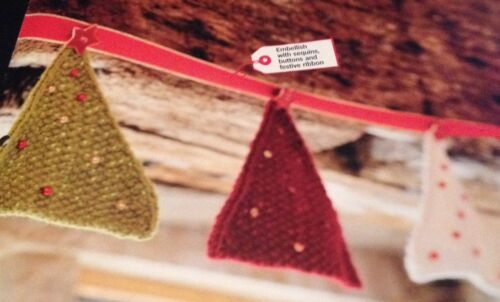 Christmas Knitted Bunting Knitting Pattern