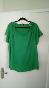 ladies-green-crochet-trim-top-from-F-amp-F-size-22-in-great-condition