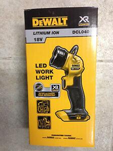 DeWalt-18V-XR-Li-ion-Cordless-LED-Jobsite-Torch-Skin-Only-DCL040-XE