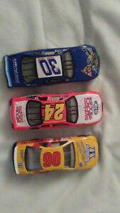 LOT-OF-3-NASCAR-24-30-90-DIE-CAST-RACING-CARS-1-64