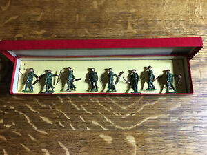 Britains-Soldiers-Regiments-Of-All-Nations-British-Infantry-195-At-The-Trail