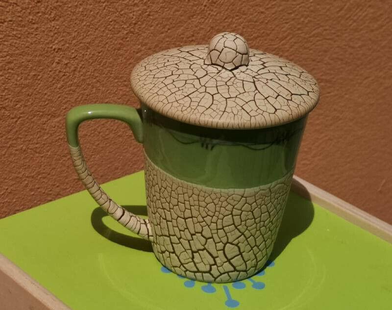 Keramiktasse aus Bat Trang. Foto: Heiko Weckbrodt