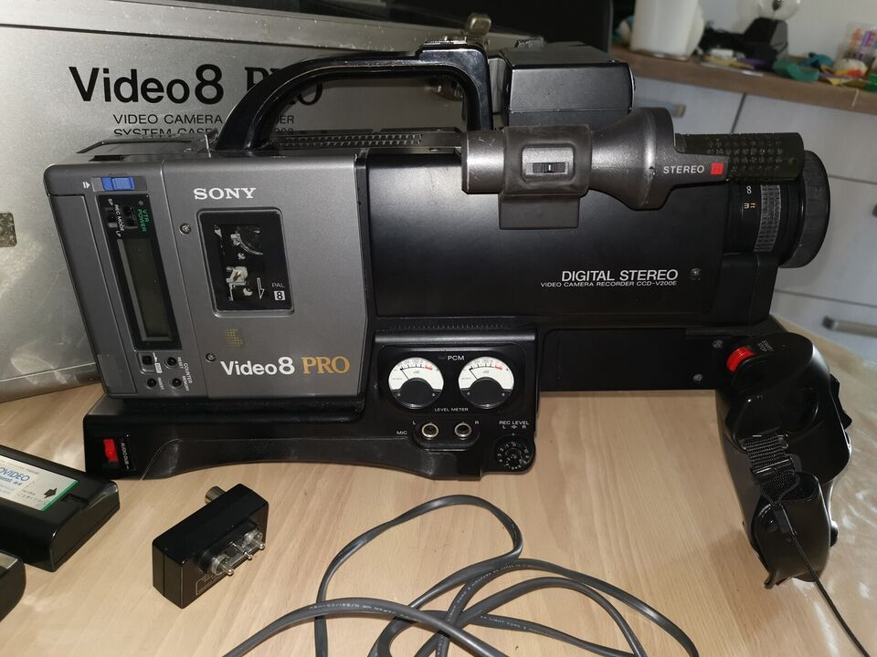 video 8 pro, sony, ccd-v200e (classic Video 8 Pro)