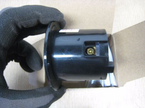 New Arrow Hart 6405 6405BK L14-20P 20A 125//250V Hart Lock Locking Flanged Inlet