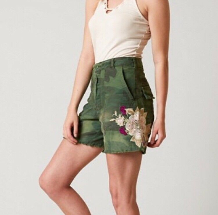 Free People Sz 0 Scout Shorts Camouflage Embroidered Flowers Green High Rise