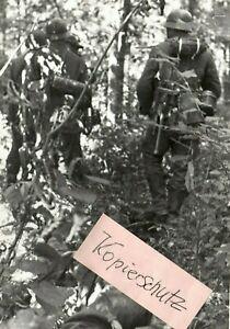 WW-2-am-22-08-1942-Kampf-im-Wald-von-Kolodesi-Pz-Prop-K-693