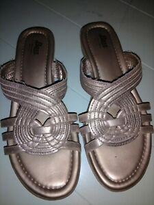 c445648e1506 Image is loading Bass-Slide-Sandals-Shoes-8-M-Bronze-Gold-